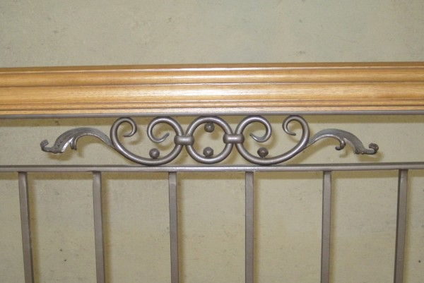 Decorative railing scroll