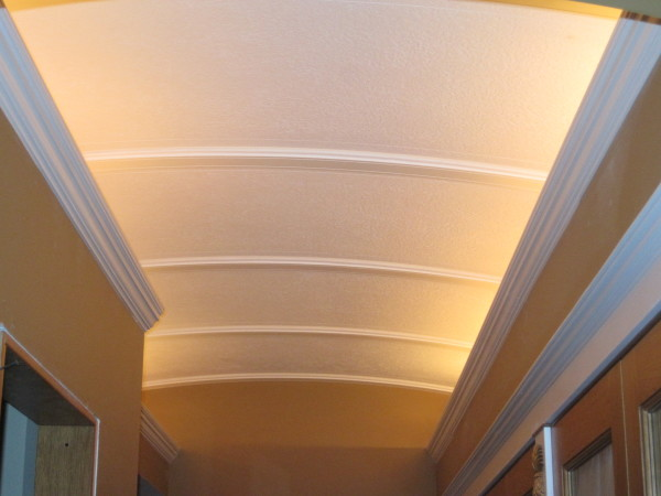 Arched pantry ceiling