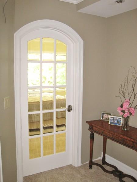 Mstr beveled glass door